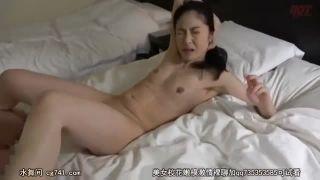 40代の美魔女マダムが不倫セックスに絶叫イキし捲るエロ動画