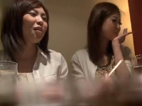 泥酔したママ友2人をホテルに連れ込みヤリ捲るNTRエロ動画