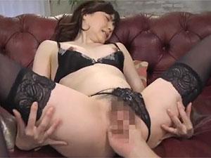 熟女のエロさが際立つ奥様がAVデビューで巨根にイカされ捲る