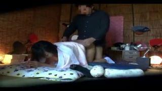 若妻が在籍するリフレ店で客が隠しカメラで撮ったエロ動画