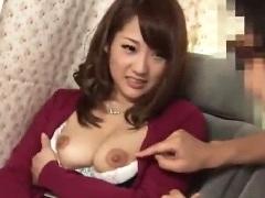 巨乳人妻ナンパw車内で膣クリ乳首3点責めにイキ捲るエロ動画
