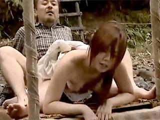 ヘンリー塚本のエロ動画で村の中年男と青姦w家で弟とハマる