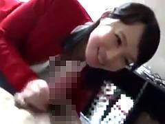 素人童貞男子の自宅でマジで筆おろしする五十路熟女エロ動画