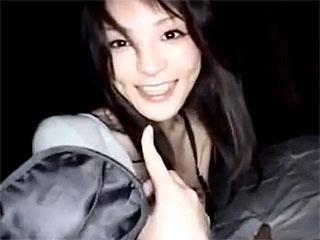 個人撮影の熟女エロ動画で素人アラサー熟女が目隠しSEXに激イキ