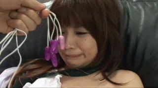 童顔制服JKがレイプされた挙句に玩具責めでイカされ続けるエロ動画