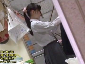 スーパーでバイトするJK娘がストーカーに店内レイプされた事件映像