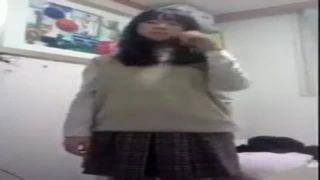リアルガチJC娘が未成熟ボディをスマホで自撮りしたエロ動画投稿