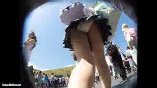 夢の国でミニスカJKのスカート逆さ撮りしたガチやばいパンチラ盗撮動画