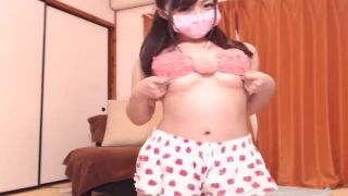 エロ可愛い10代素人娘がピンクのスケベ下着姿でライブチャット中