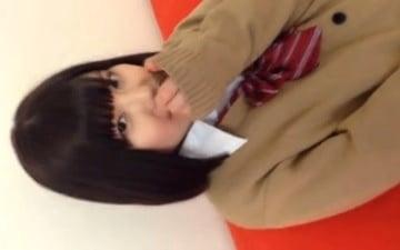 かわいい制服JKが親父チンポを舐めたり激パコSEXの個人撮影エロ動画