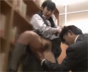 図書館で痴漢レイプされたJK娘がハメ潮飛ばし捲くるSEX動画