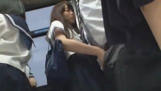 制服JKがバス車内でフェラ手コキに痴女SEXで逆痴漢エロ動画