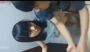 中学生カップルがトイレでのSEXを自撮りしたスマホ動画が流出した件