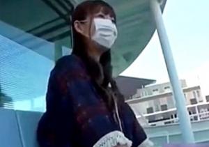 LJKが高校生活の思い出にマンコの露出を個人撮影したエロ動画