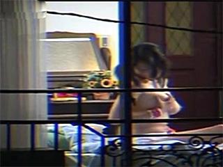 隣のアパートの爆乳お姉さんのオナニー覗き隠し撮り