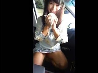 素人投稿!可愛い彼女に車内手コキフェラ抜きスマホ隠し撮り流出
