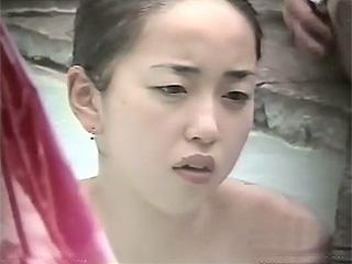 素人投稿☆浅田真央ちゃん似の巨乳若妻おっぱいは舞ちゃん覗き盗撮エロ動画