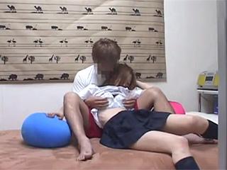 家で関西弁の色白巨乳ヤンキーJKとのSEX素人盗撮エッチ動画